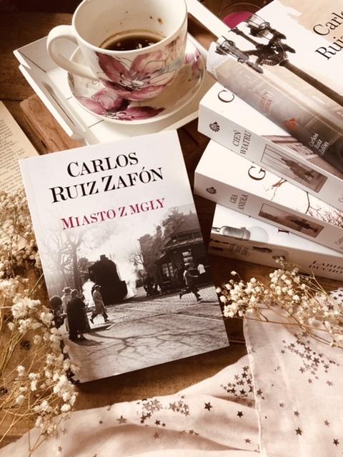 Carlos Ruiz Zafón, Miasto z mgły