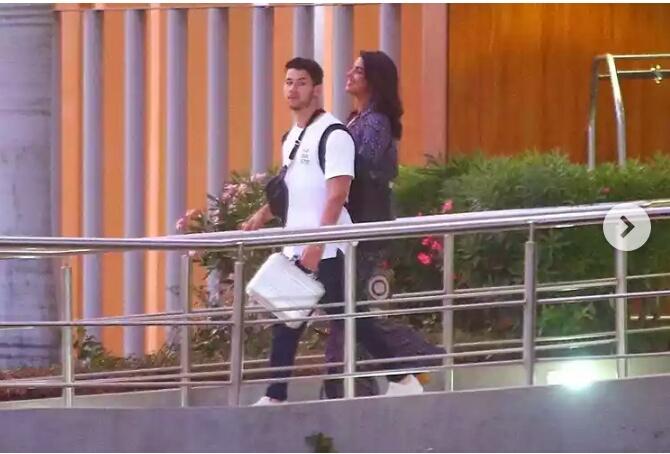 Latest Bollywood news and gossip- Priyanka Chopra and nick jonas enjoying Mexico holiday Read full report here