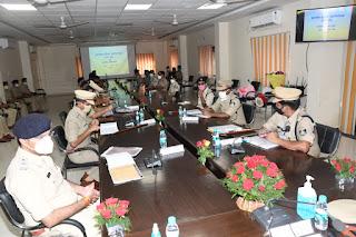 पुलिस महानिदेशक ने ली जबलपुर जोन की अपराध समीक्षा बैठक