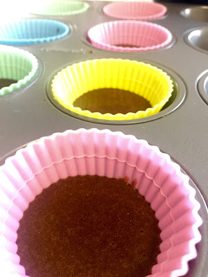 shakeology, peanut butter cups, reese's, chocolate, coffee, healthy dessert, recipe, 21 day fix, protein powder, healthy recipe, caramel, caramel shakeology, muffin tins, muffin cups