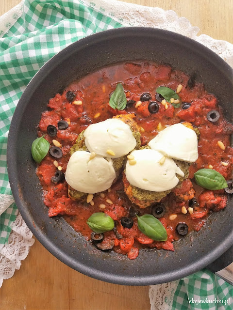 Kurczak caprese przepis z pesto i mozzarellą przepis