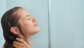 تفسير حلم الاستحمام في منام المرأة