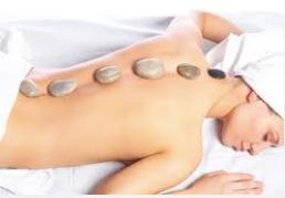 Lista de ideas para regalar a personas especiales, masaje con piedras calientes