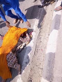 रामगंज बालाजी बुंदी मे एक रोडवेज से हुआ बाईक सवार दंपति का एक्सीडेंट