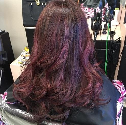Este color de pelo rojo caoba corresponde realmente al \u0026quot;Tinte\u0026quot;. El suave color rojo no es como en,su,cara como otros tintos, parcialmente debido a la base