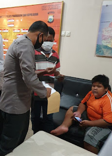 Peduli Pendidikan Korban Bulyying, Kapolres Pangkep Berikan Tabungan Pendidikan
