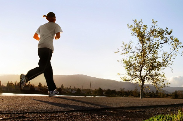 Manfaat Lari di Siang Hari untuk Kesehatan Tubuh