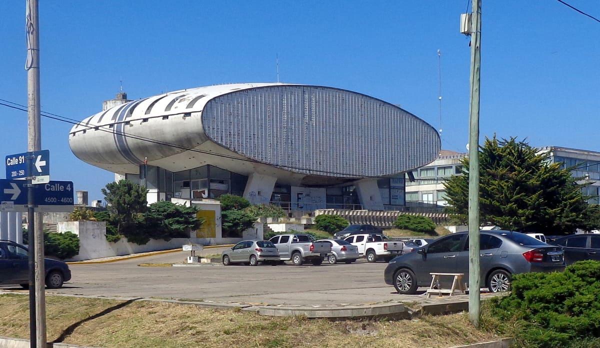 Los concejales de Necochea aprueban la reconstrucción y venta del casino