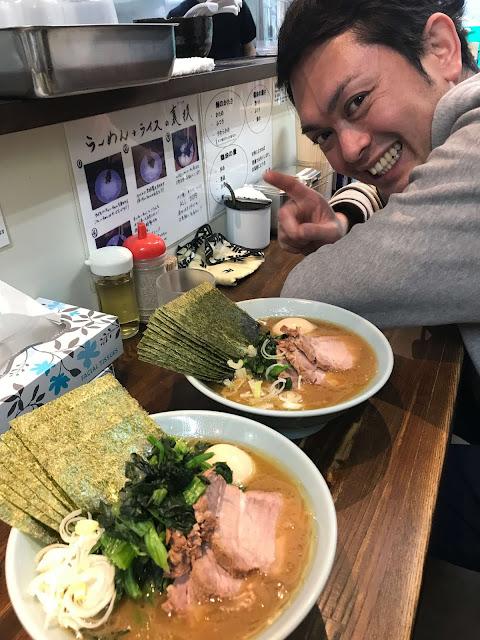 横浜家系ラーメン 侍 池尻店 で、醤油ラーメン全部のせ♪