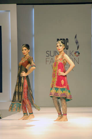 Asian Fashion Blog Pakistani Designers Nickie Nina Bring Their 2011 Pfdc Sunsilk Fashion Week Collection To Manchester