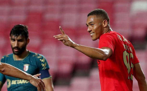Vinícius bisou e deu a vitória ao Benfica