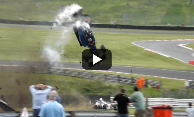 Τρομακτικό ατύχημα στην Formula 3 (Βίντεο)