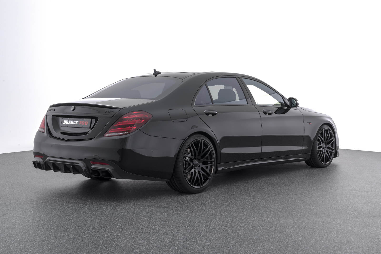S63 Amg Sedan 2017 >> Maybach S650 Not Enough? Check Out The New Brabus 900 | Carscoops