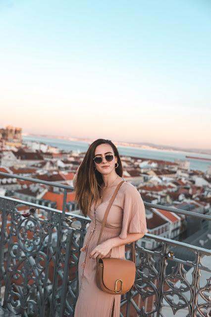 Alicia Mara at the Santa Justa Lift | Tips and Tricks