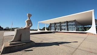 STF decide que processos contra Lula devem seguir para Brasília