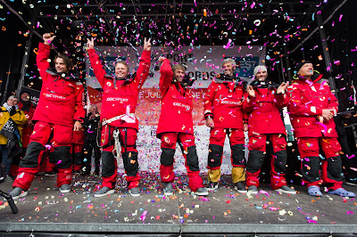 Francis Joyon et ses hommes remportent le Trophée Jules Verne !