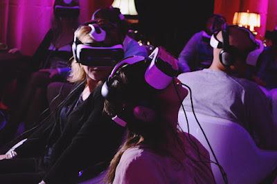Menggunakan Samsung Gear VR, Bioskop VR Pertama Kini Hadir