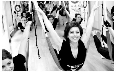 aeropilates-aprovecha-las-vacaciones-para-formarte-aero-pilates-fitness-yoga-fisio-deporte-instructor-profesor-estudio-wellness-columpio-hamaca-trapeze-espana-madrid-barcelona-coruna-vigo-bilbao-oviedo-valencia-sevilla-cursos-teacher-training-terapia