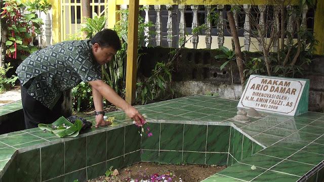 Ziarah ke Makam Ario Damar atau Arya Abdillah Palembang