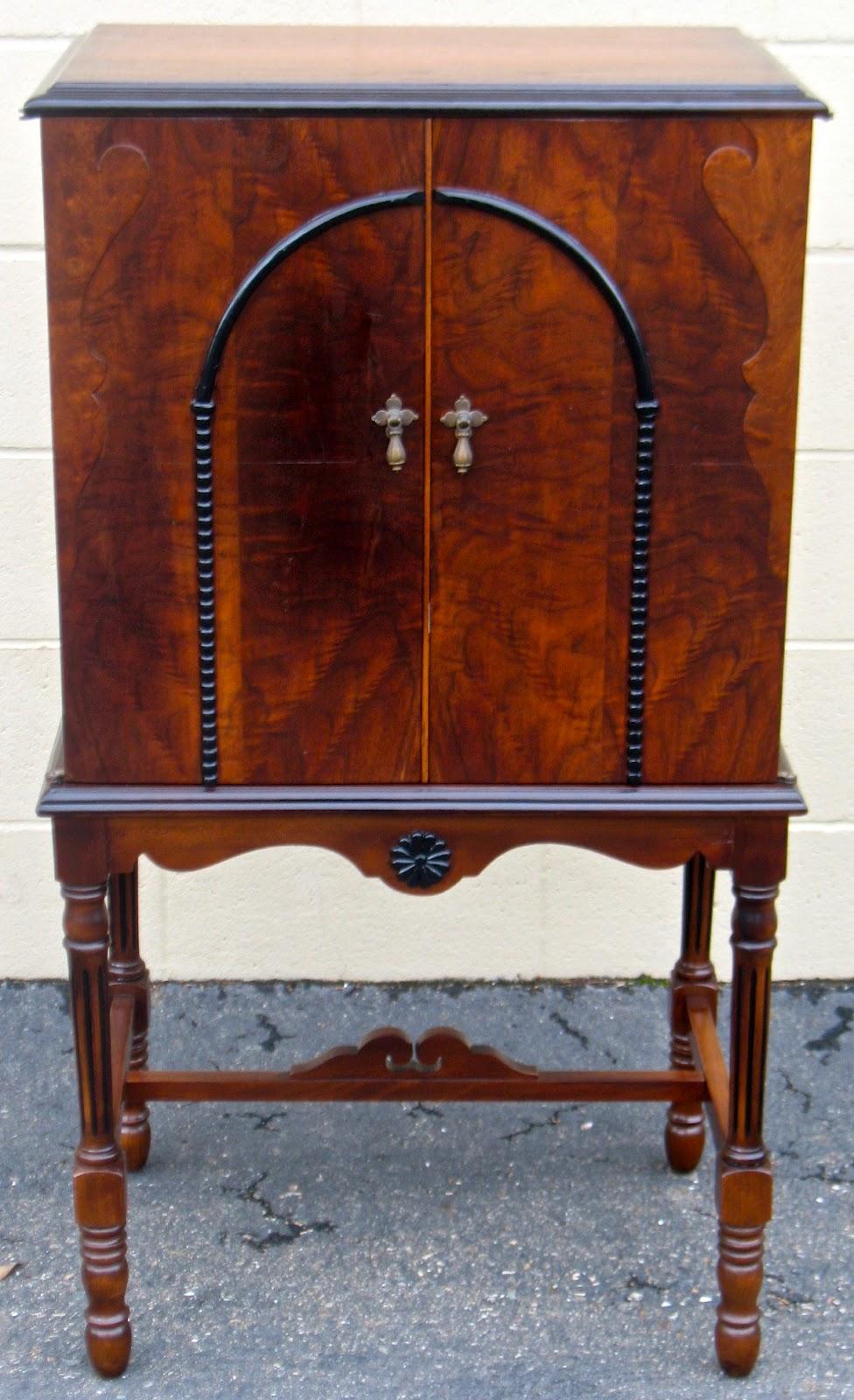 Vintage Radio Cabinets 31