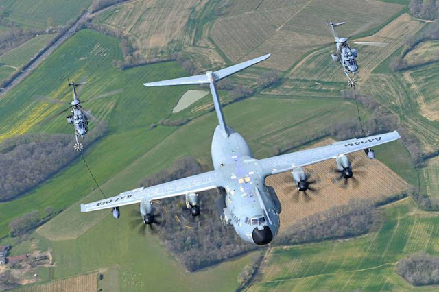 Airbus A400M helicopter refuelling certification