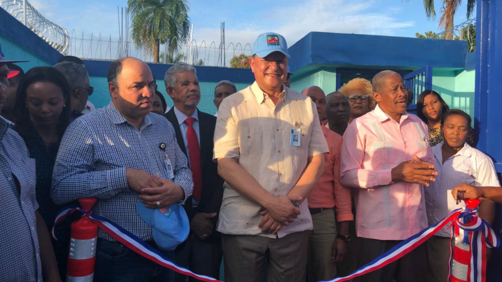 Gobierno entrega pozos para servir agua potable en varios sectores de Pedro Brand