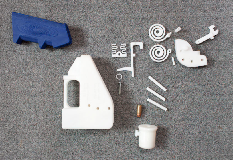 first gun made ​​entirely with a 3D printer. Lethal weapon made ​​entirely of plastic