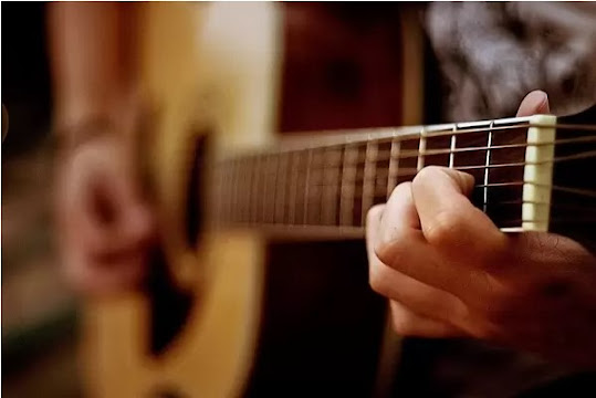 Bermain Gitar Untuk Pemula