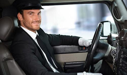 مطلوب  سائق  بالعيون وتزنيت
