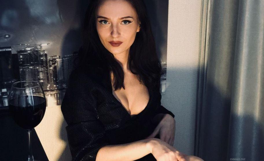 EmmaULove Model GlamourCams