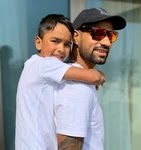 shikhar dhawan with her son