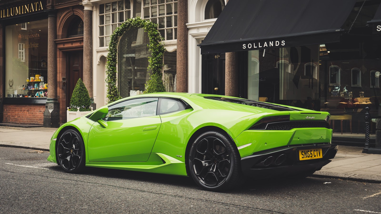 photo-of-parked-lime-green-lamborghini-car-images