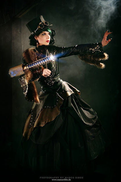 steampunk clothing (women's clothing, top hat, goggles, skirt, blouse, gun)