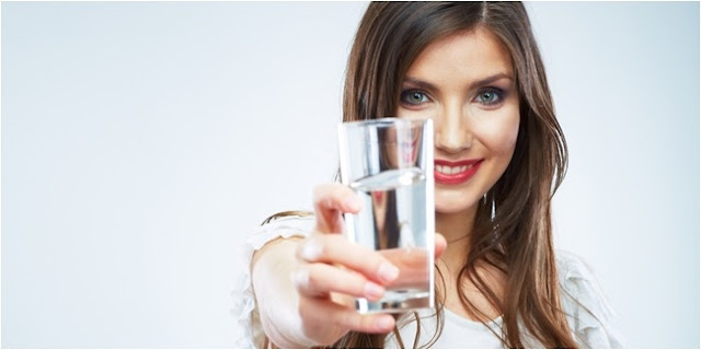 5 Tanda Anda Kurang Minum Air Putih, Sering Seperti Gagal Fokus