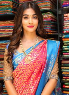 Pooja Hegde Family Husband Parents children's Marriage Photos