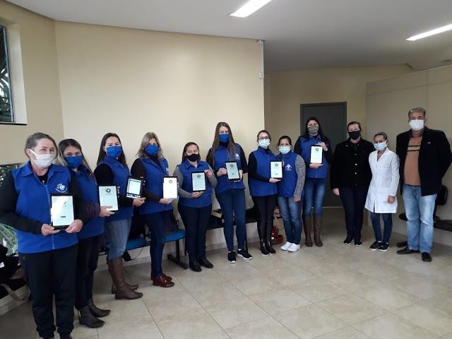 Agentes comunitárias de Saúde de Cristal do Sul recebem tablet para agilizar o atendimento aos munícipes.