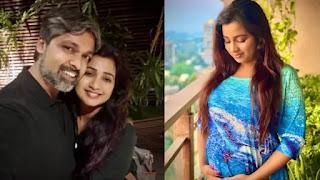 Shreya-ghoshal-announces-pregnancy-flaunts-her-baby-bump-says-baby-shreyaditya-is-on-its-way