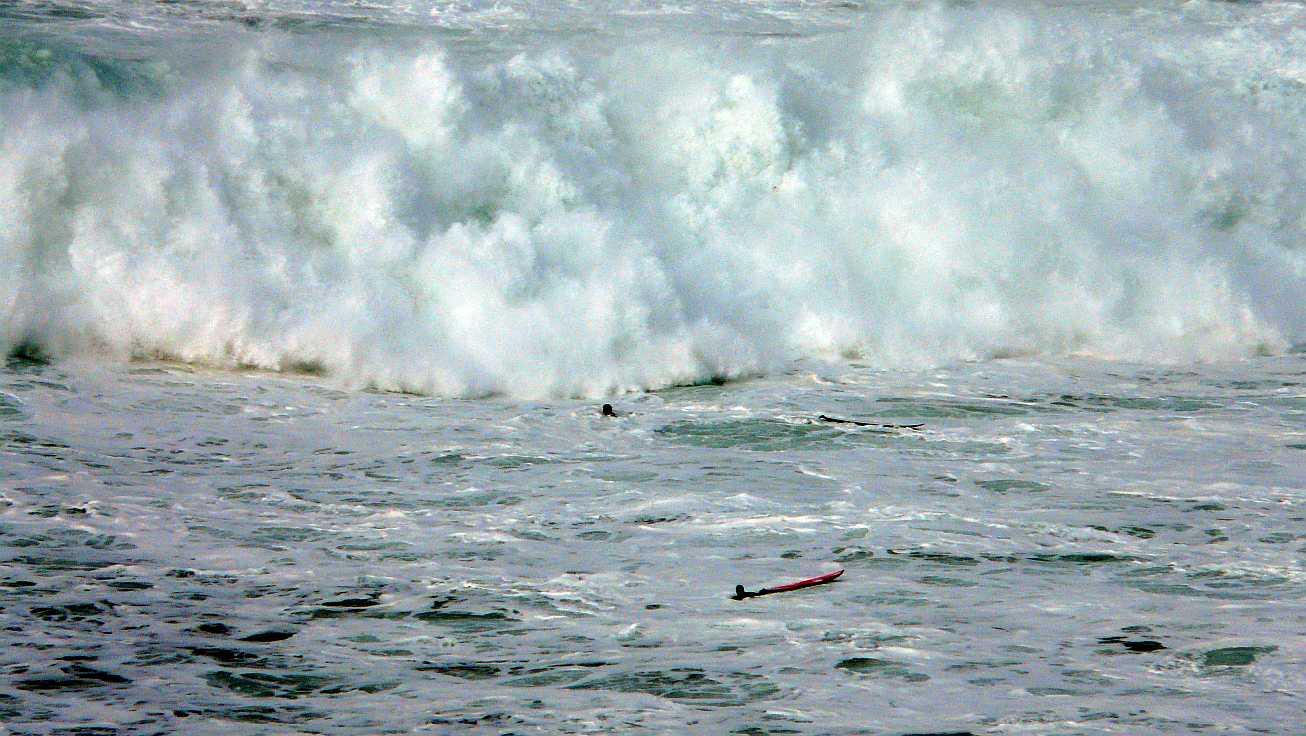 surf menakoz diciembre 2015 olas grandes 22