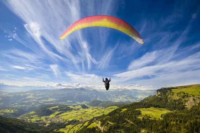 Paragliding-Adventure tourism Darjeeling, Kalimpong