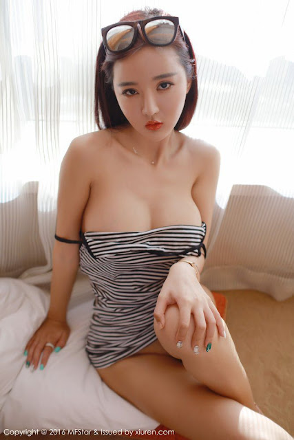 Hot and sexy big boobs photos of beautiful busty asian hottie chick Chinese booty model Jin Yu Jia photo highlights on Pinays Finest sexy nude photo collection site.