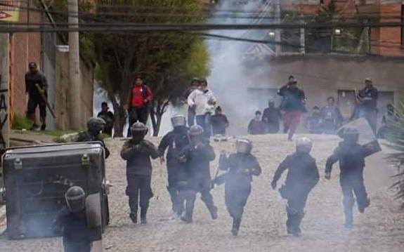 """""""Ahora sí, guerra civil"""", El Alto resiste el golpe de Estado en Bolivia"""