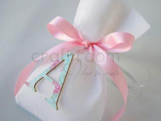 μπομπονιερα-βαπτιση-χειροποιητο-πουγκι-κοριτσι-αρχικο-πριγκιπισσα-ροζ-βεραμαν-ξυλινη
