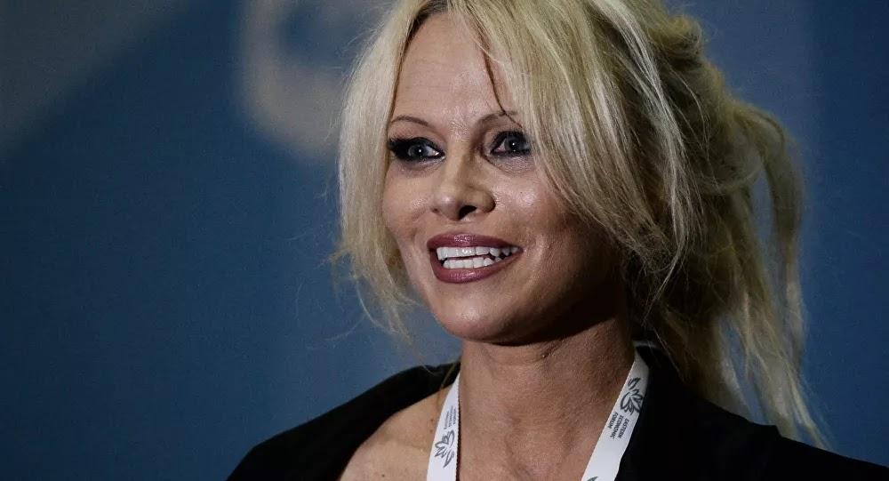 Pamela Anderson envoie une lettre à Macron concernant un sujet polémique