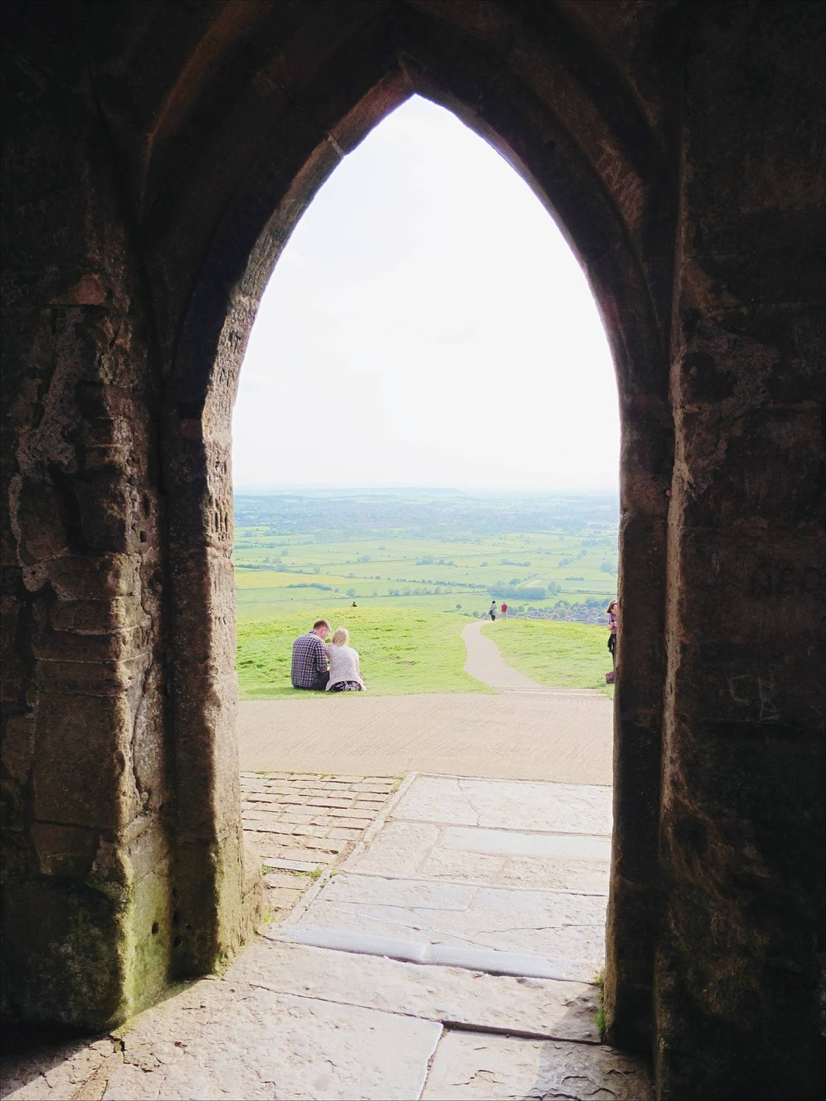lebellelavie - A walk up Glastonbury Tor