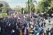 Ribuan Mahasiswa NTB Lagi Kepung Kantor DPRD.