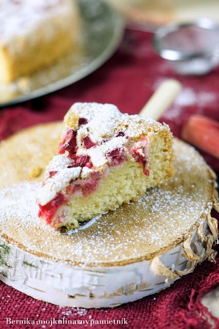 rabarbar, ciasto, lato, deser, bernika, pieczenie, kulinarny pamietnik