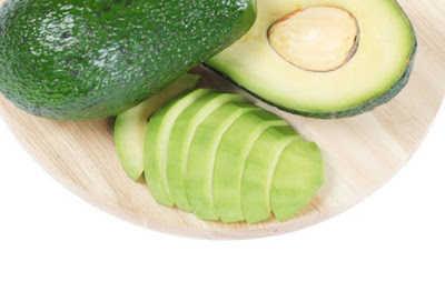 فوائد الأفوكادو لصحة الجلد والعناية بالبشرة