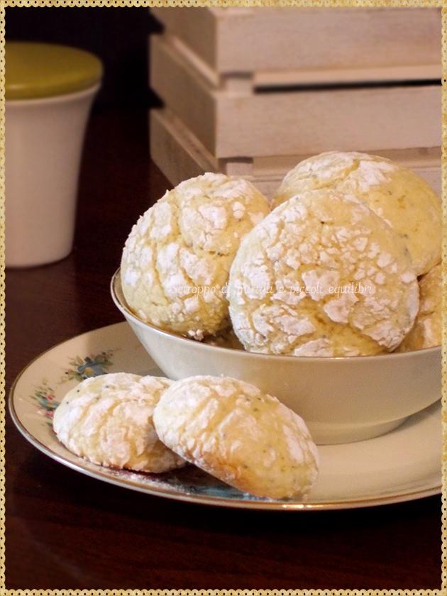 Biscotti morbidi al limone e semi di papavero