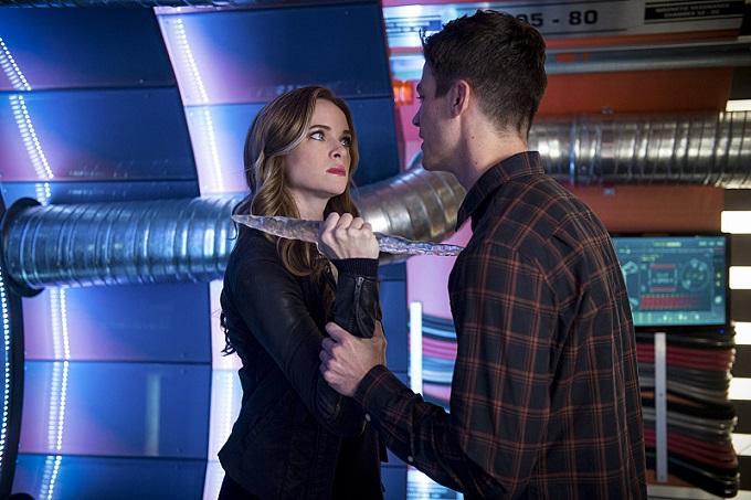 Caitlin se enfrenta a Barry