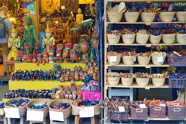 Chatuchak Market w Bangkoku [JAK DOJECHAĆ, GODZINY OTWARCIA]